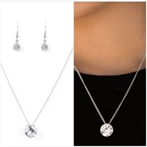 WHAT A GEM WHITE NECKLACE/EARRING SET